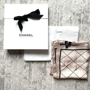 Chanel CC logo silk scarf - authentic, blush black